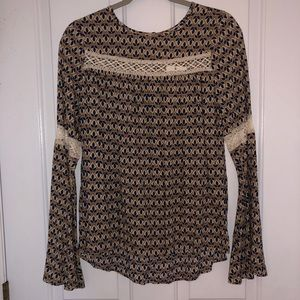Bell sleeve top NWT